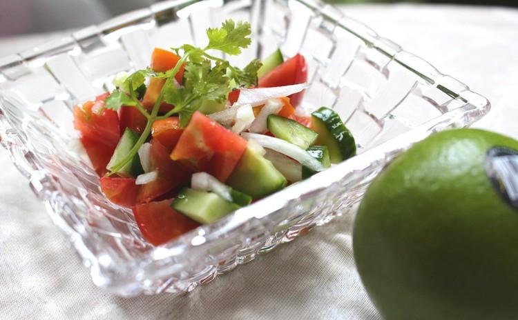 カチュンバー(生野菜のサラダ)