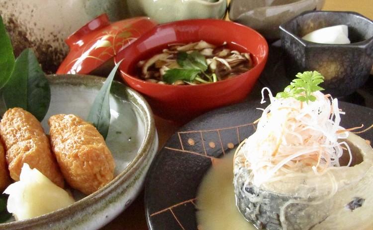 和食屋の鯖味噌煮でおもてなし