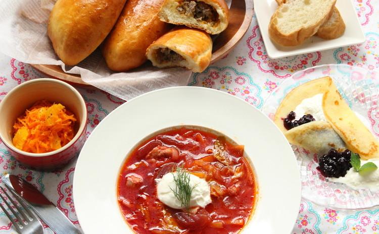 これからの季節にロシアの家庭料理 ボルシチ ピロシキ ブリヌイ#西新宿