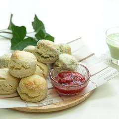 プレーンと紅茶のスコーン♪簡単苺ジャムと枝豆冷製スープ