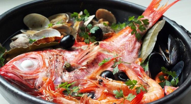 土鍋で金目鯛のアクアパッツァ