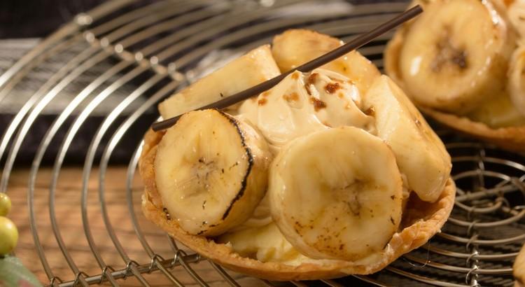 おしゃれに大変身!クリームたっぷりバナナのタルト