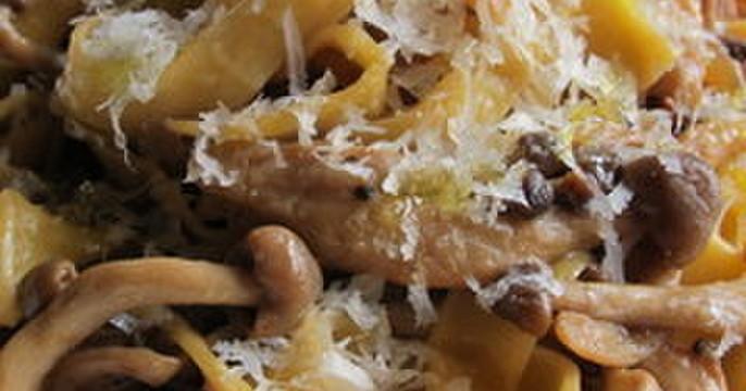 チキンロールのマスタード風味&タリアテッレポルチーニソース