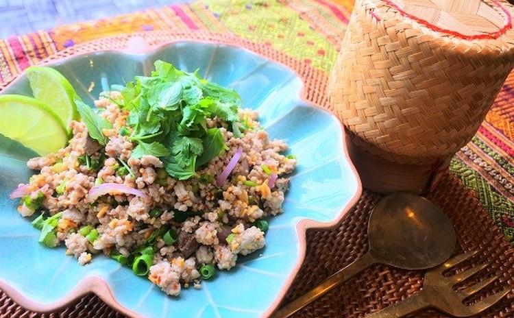 ラープムーとラープガイ・旬の果物でソムタムポラマイ・茶碗蒸のカイトゥン