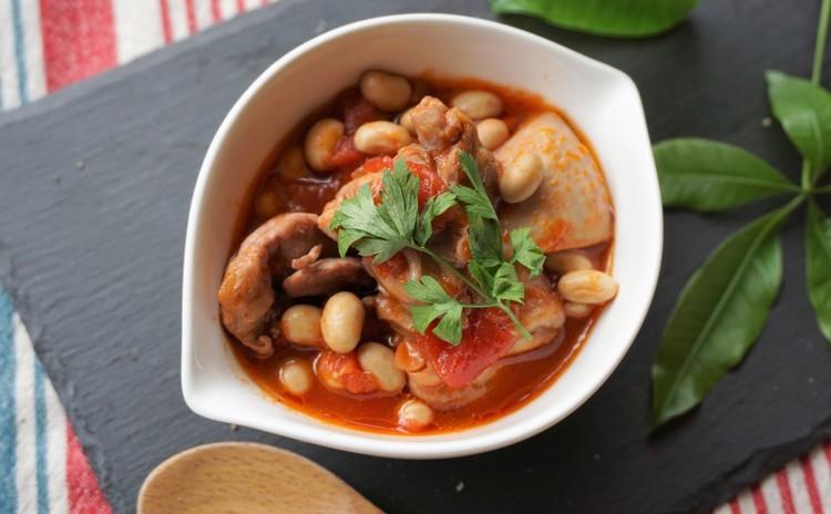 酒粕酵母でシンプル山食✿豆とチキンのトマト煮&白インゲンのスープ♡