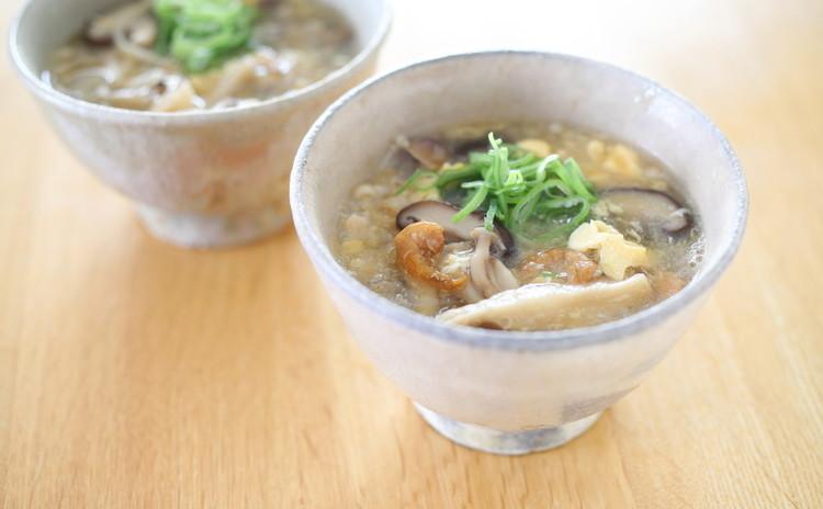 たっぷりキノコと干しエビのスープ