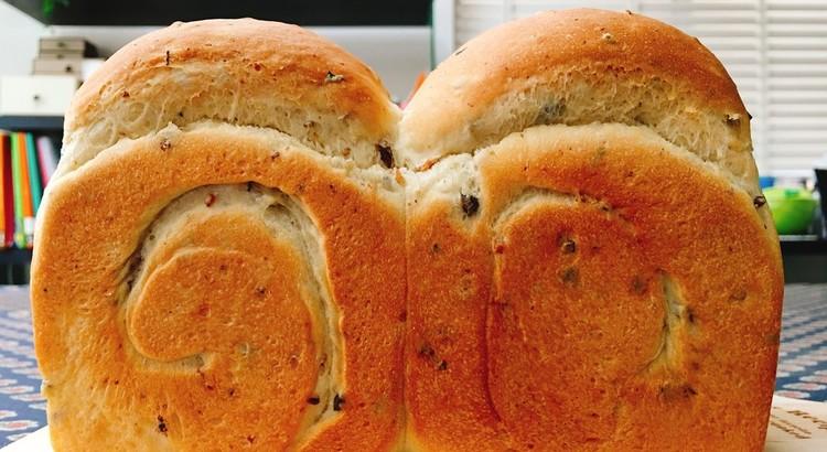 豆と雑穀の食パン 1斤