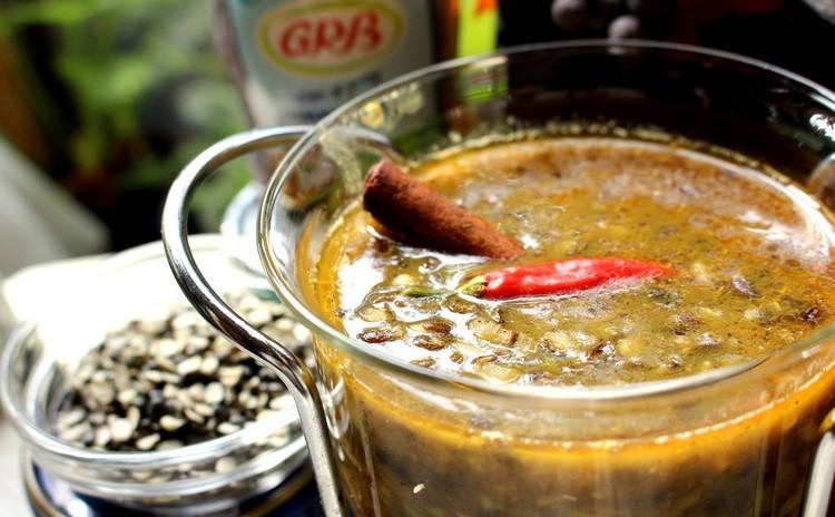 ウラッド豆のスープ