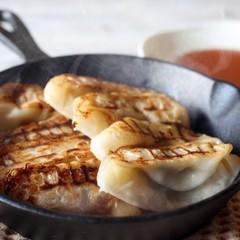 【中華料理】餃子を皮から作ろう♪焼き餃子&水餃子1人20個!