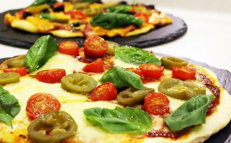 発酵なし・思い立ったらすぐ食べられるピザ2種