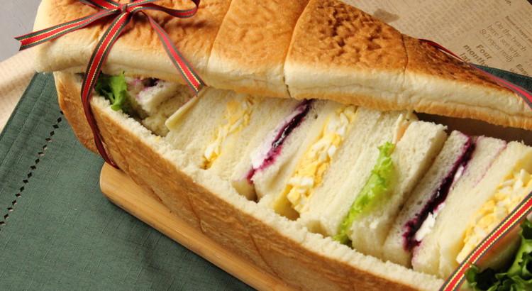 パン・シュープリーズ 丸ごとサンドイッチ