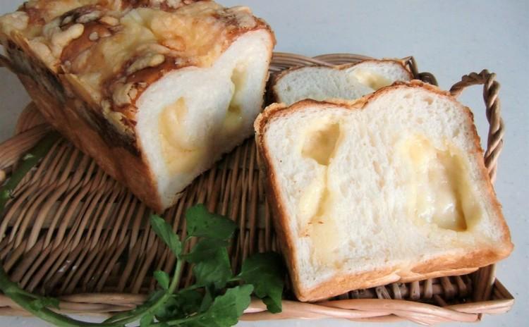2種のチーズと練乳のしっとりパン