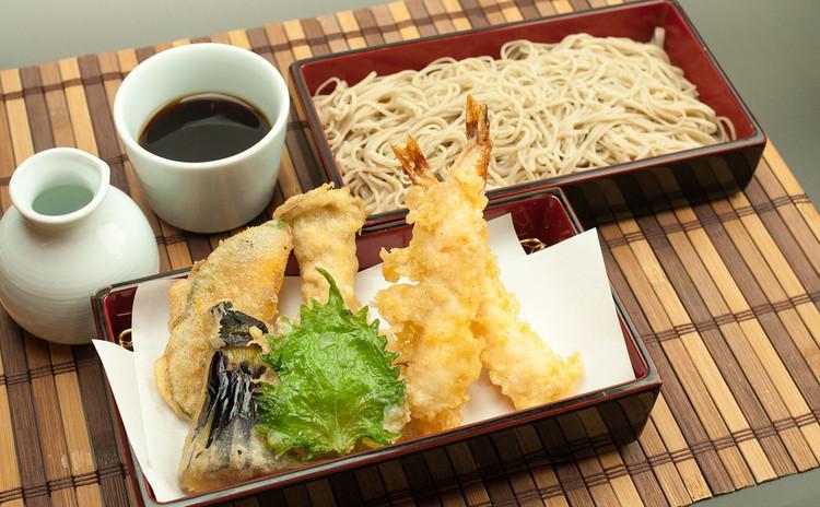 自分打ち蕎麦とサクっと天ぷら