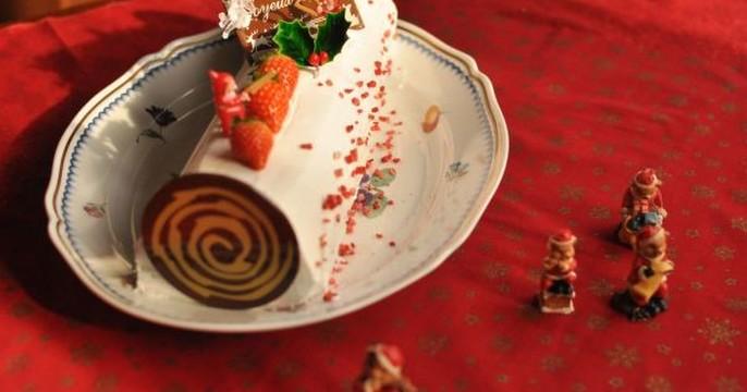 クリスマスには安心ミルキーロールケーキ!2台に分けてもOK !