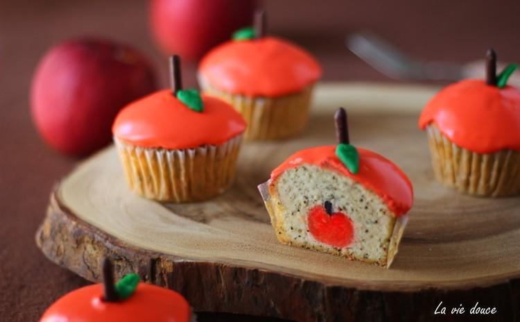 小さな林檎が隠れてる♡可愛い~アップルフレイバーティーのカップケーキ