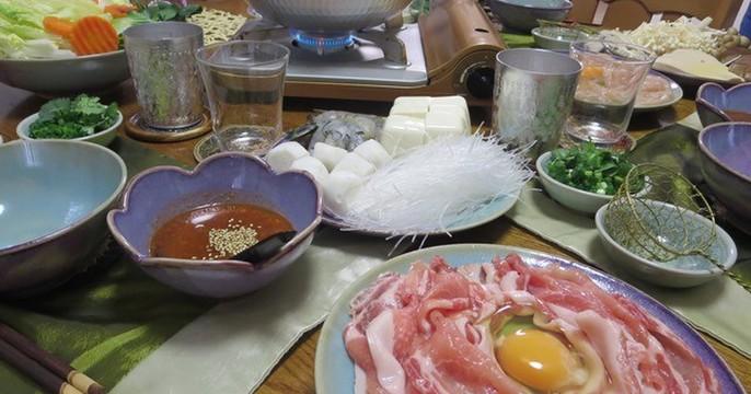 タイスキは、タイのしゃぶしゃぶです!ピリ辛のタレでいっぱい召し上がれ!