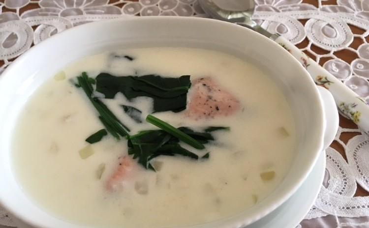 鮭とほうれん草のクリームシチュー