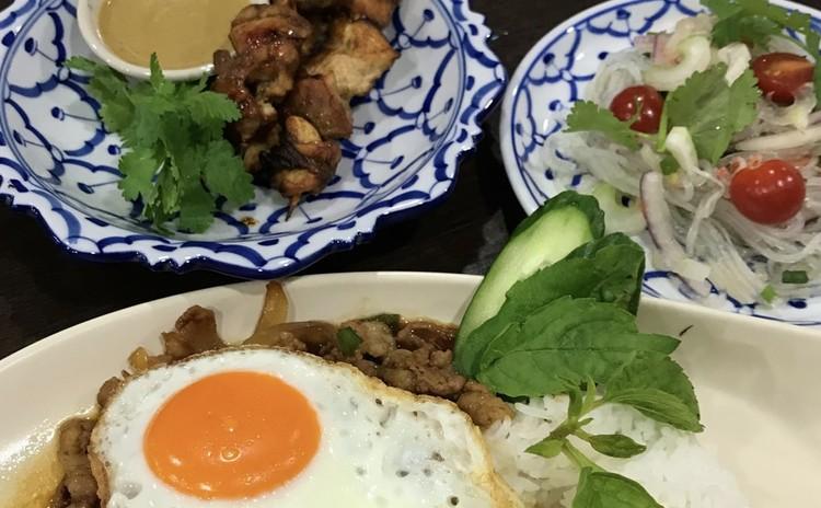 ガバオライス(ポークミンチとガバオの炒め物のせご飯)