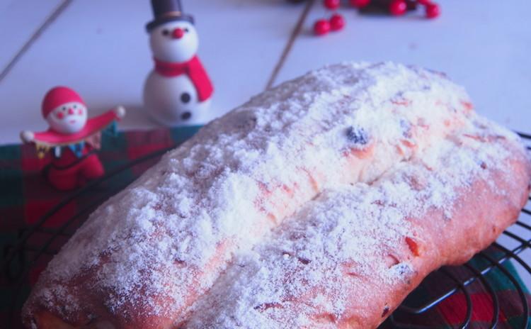 美味しいパンとケーキで楽しいクリスマスを彩りましょう♪