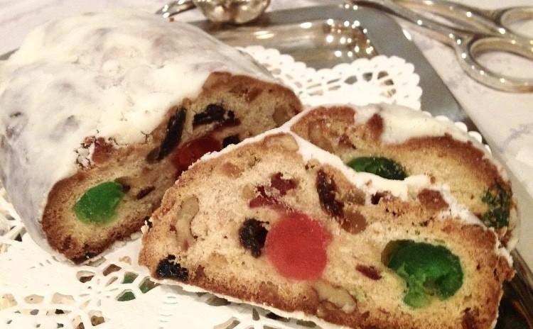 お一人1本!クリスマスの定番シュトーレンと可愛いオーナメントクッキー