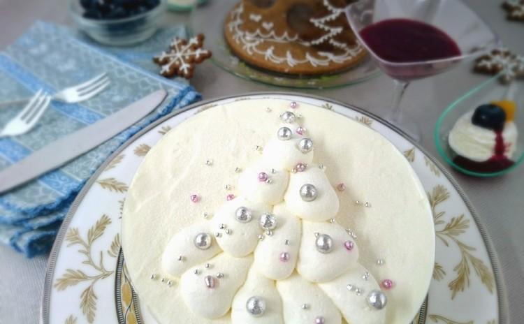 ホワイト・クリスマスツリー・ケーキ