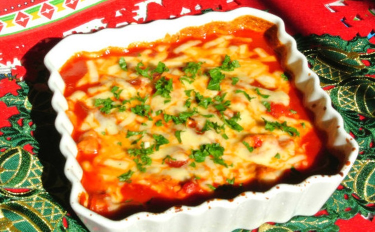 パーティにぴったり☆鶏胸肉のトマトソース煮込み~チーズ焼き