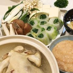丸鶏の水炊、手ごねつくね、自家製ポン酢、春菊の白菜巻き、山かけ雑炊