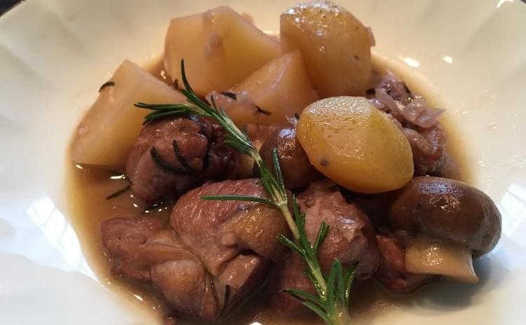 くるみのプティジュネ〜鶏と栗きのこの赤ワイン煮*キヌアのホットサラダ〜