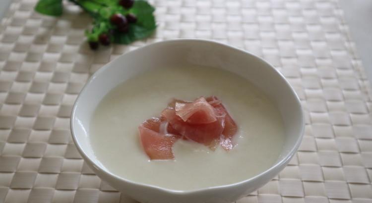 カブのスープ 生ハム添え