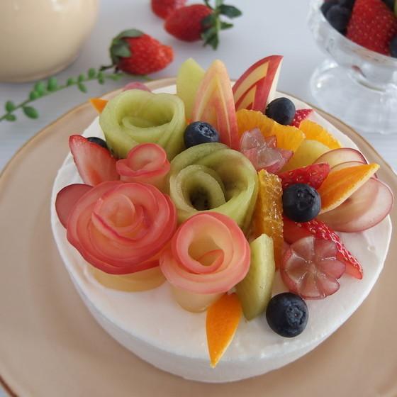 新春に花を添える!フルーツフラワーケーキ