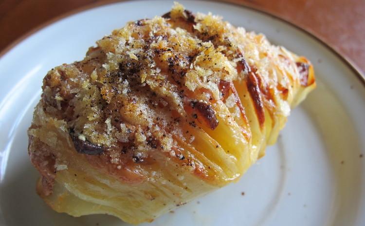 揚げナスのトマトソース、豚ヒレ肉パン包み、ジャガイモのスフォリアテッレ