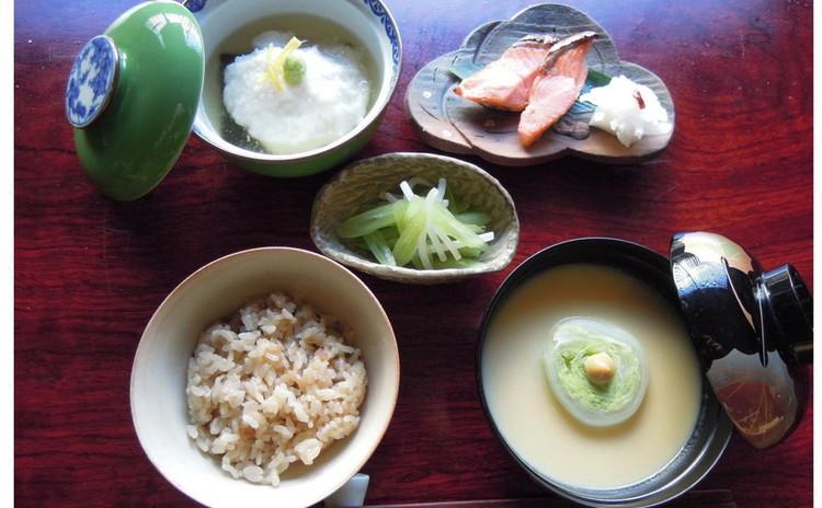 上品な味わい、京風和の一汁三菜。