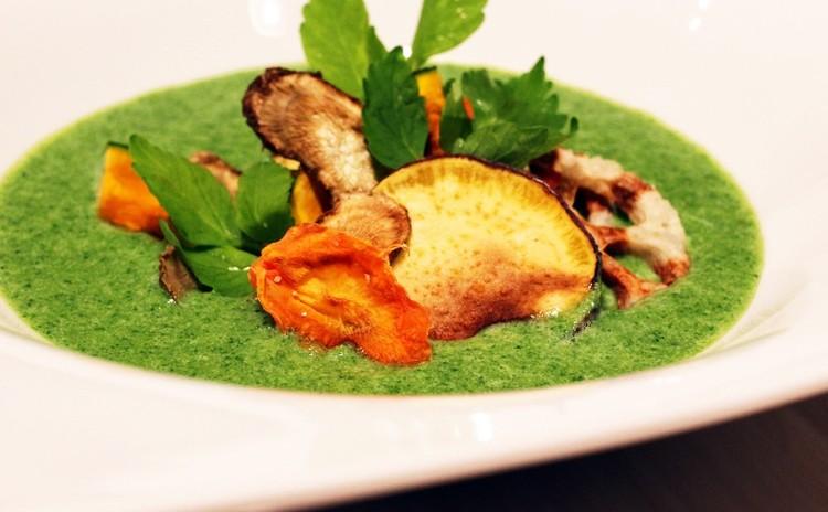 ノンフライ野菜チップスで食べる 初春のスープ