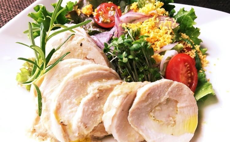お持ち帰り付き全5品 皮から作る焼き小籠包・鶏ハム・栄養サラダ他