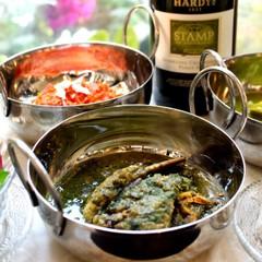 旬のほうれん草や京人参を使った緑や橙色鮮やかな新春おもてなしインド料理