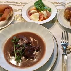 Xmas☆クレッセント・牛肉の赤ワイン煮込み・柿と生ハムのカプレーゼ