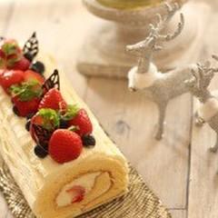 シンプルが一番🎵優しい甘さのいちごのミルキーブッシュドノエル