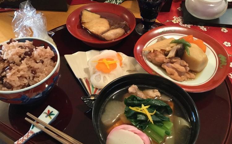 ぶり照り焼き♪黒豆♪お煮物♪彩色なます♪関東風お雑煮♪スイートポテト
