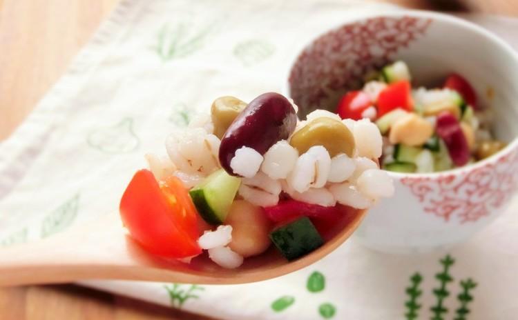 大麦と4種豆の小鉢サラダ