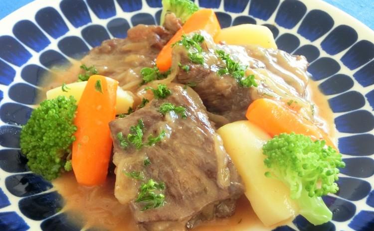 ◆リクエストレッスン◆牛肉のビール煮、りんごのクランブルタルト