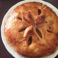 りんごキャラメリゼがたっぷり入ったアップルパイ!