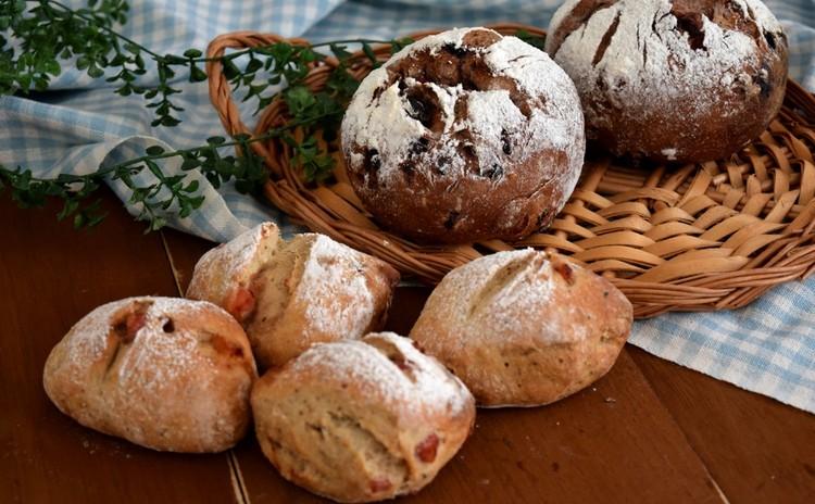 アレンジライ麦パンを作ろう!ベーコンライ麦パン&ベリーチョコパン