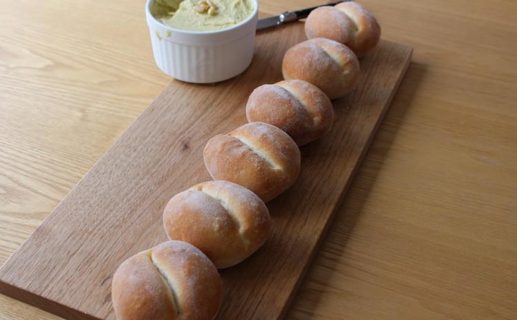 ブレッチェン - オニオングラタンスープとキャロットラペのランチ