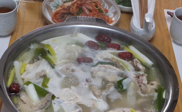 """~鶏1匹""""タクハンマリ""""と浅漬けキムチと手打ち麺""""カルククス""""~"""