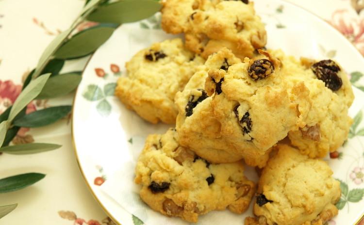 レーズンとクルミのロッククッキー