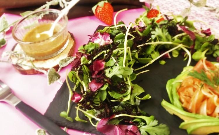 春菊とヒジキのサラダ アンチョビわさびドレッシング添え