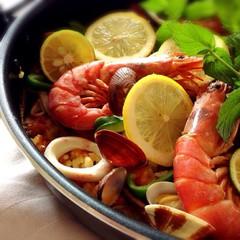 魚介と野菜のだし汁でしみじみ美味しいパエリア