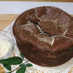 バレンタインに♡バター不使用のガトーショコラとお豆腐ホイップクリーム