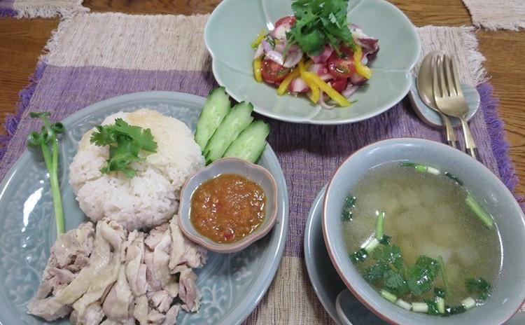 カオマンガイは2種類のタレで☆タコのカルパッチョ風とカボチャプリンも!