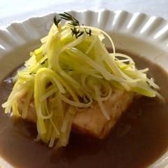 白身魚のナージュきのこソースと野菜たっぷりミネストローネ